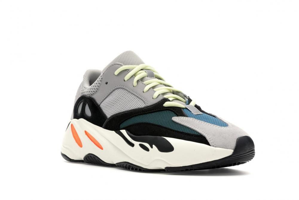 Yeezy Wave Runner 700 shirts to match