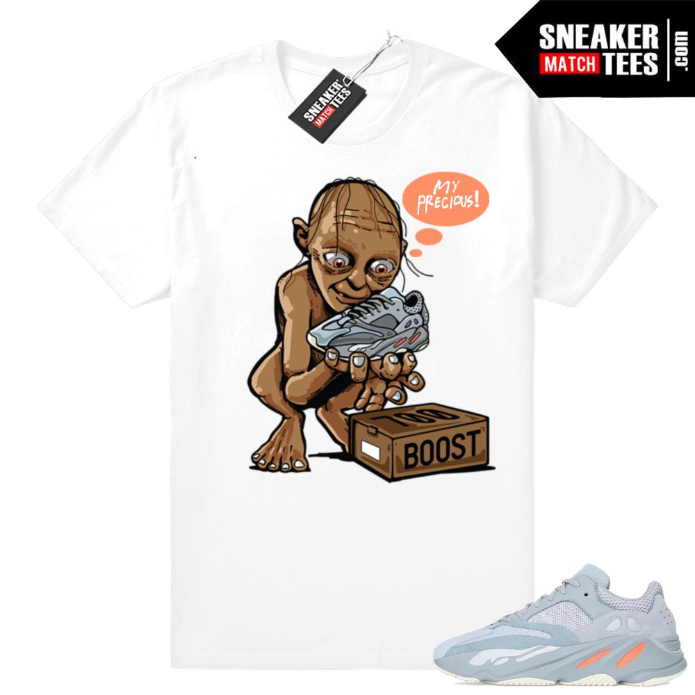 Yeezy 700 sneaker match tees