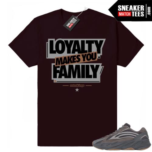Sneaker tees Yeezy 700 V2